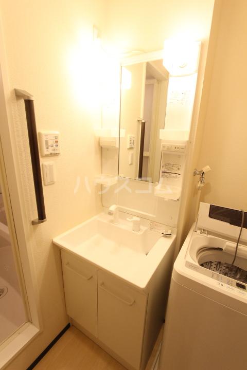 クレイノレジーナ 102号室の洗面所