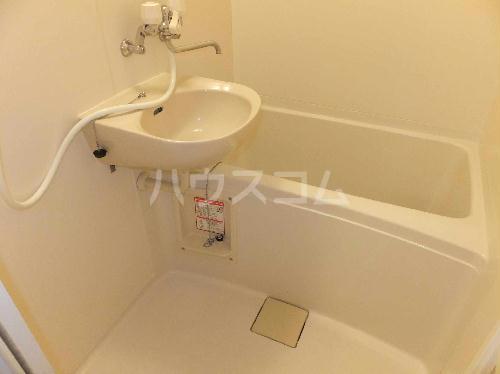 レオパレスエクレール 201号室の洗面所