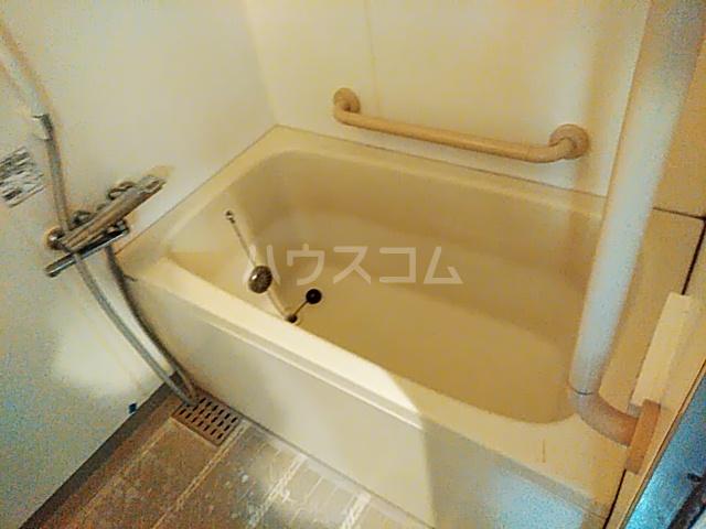 クレアージュ大倉山 107号室の風呂