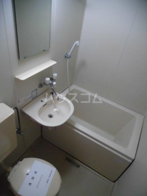コム・トーコー 102号室のトイレ