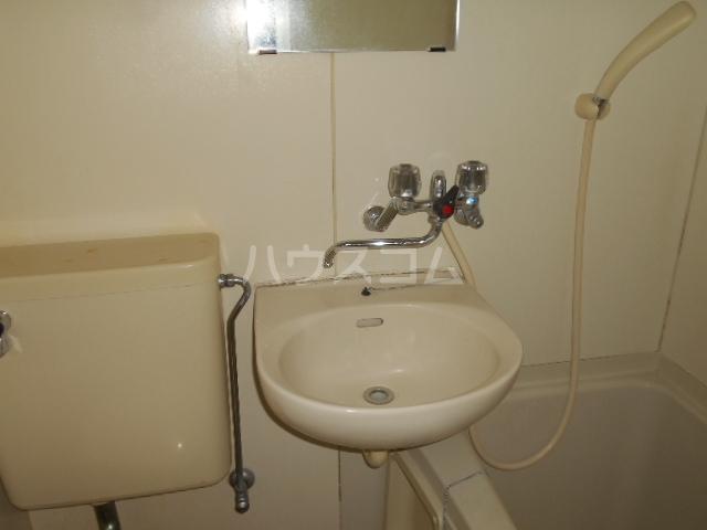 シルクハウス 101号室の洗面所