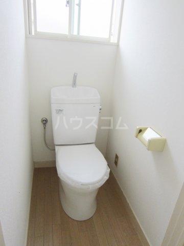 グリーンターフ鬼高 203号室のトイレ