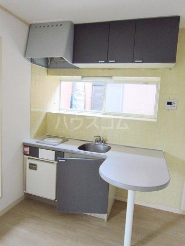 グリーンターフ鬼高 203号室のキッチン