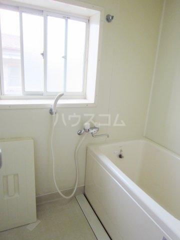 グリーンターフ鬼高 203号室の風呂