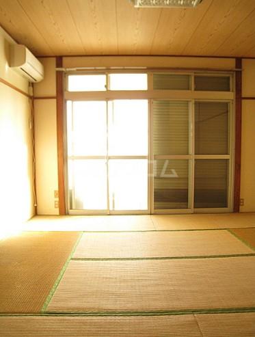 コーポもちの木 103号室の居室