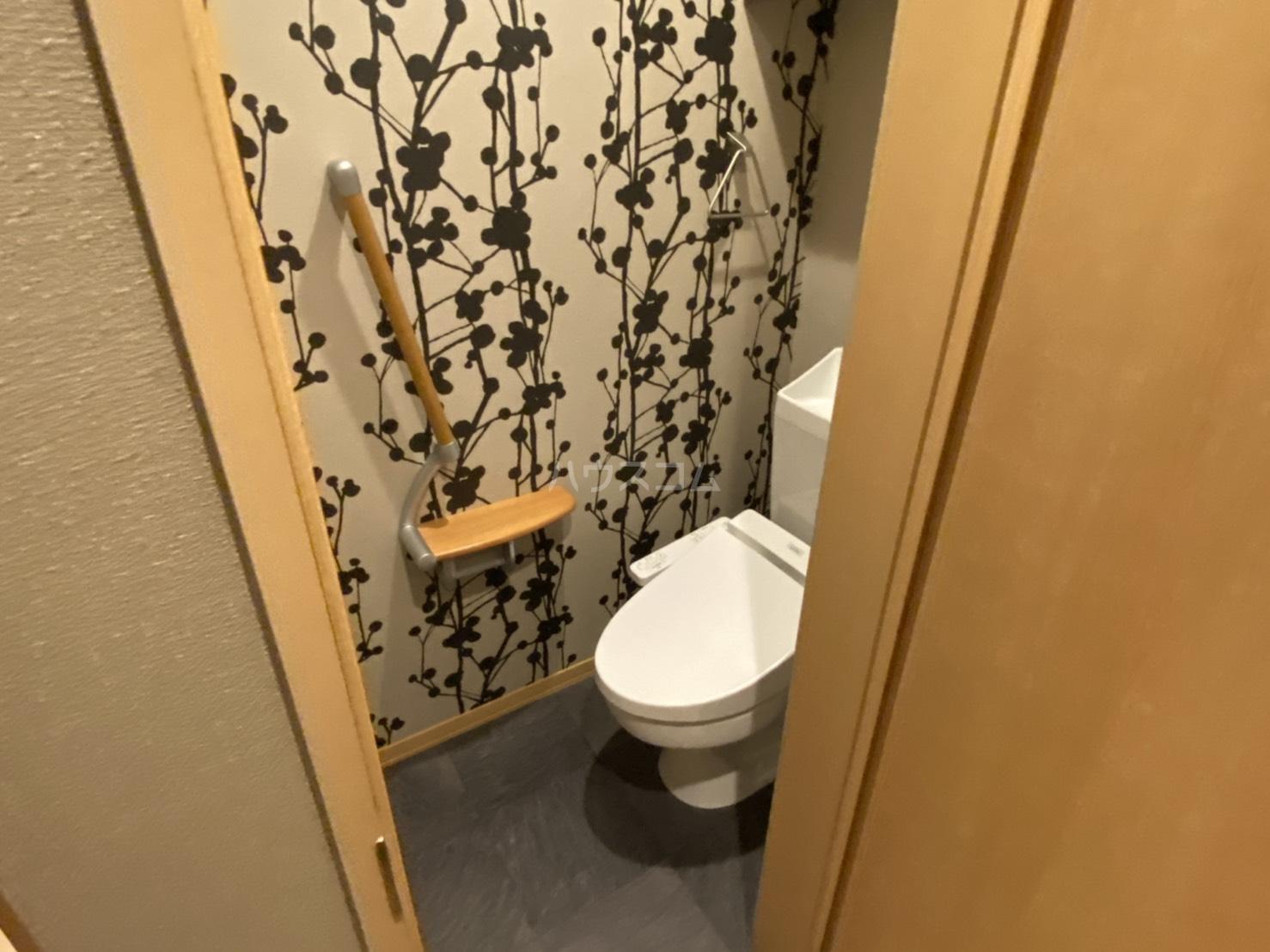 サンライズ西ノ京 401号室のトイレ
