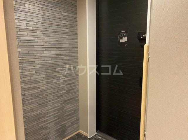 サンライズ西ノ京 401号室の玄関