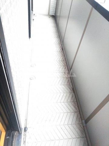 ミレニアムK2 A 102号室のバルコニー