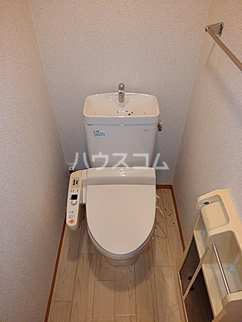 モナーチハイツ A201号室のトイレ