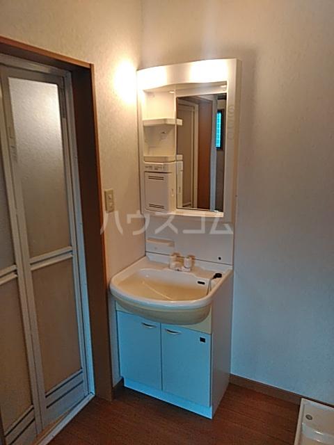 ローズビラタナカ 102号室の洗面所