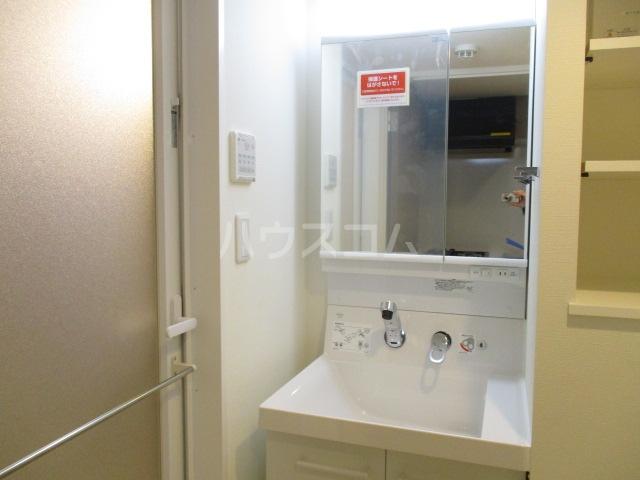 HTセタアベニュー 109号室の洗面所