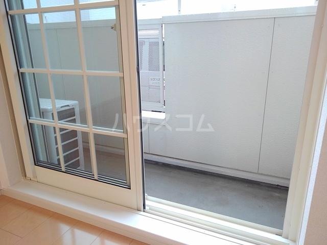 メゾンラフレシールⅡ 01020号室のバルコニー
