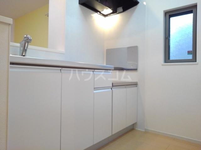 メゾンラフレシールⅡ 01020号室のキッチン