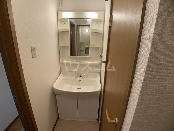 メゾン・グランドールB 02010号室のキッチン