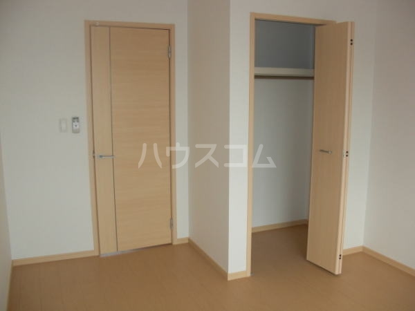 モンテローザⅠ 02040号室の収納