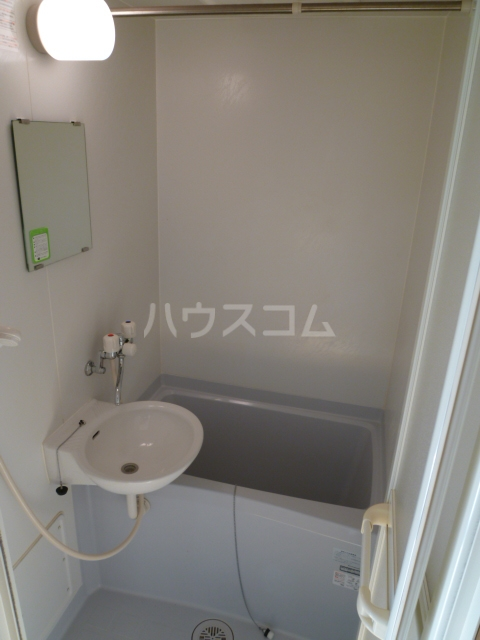 アンプルール ブワ フォーエヴァ 102号室の風呂