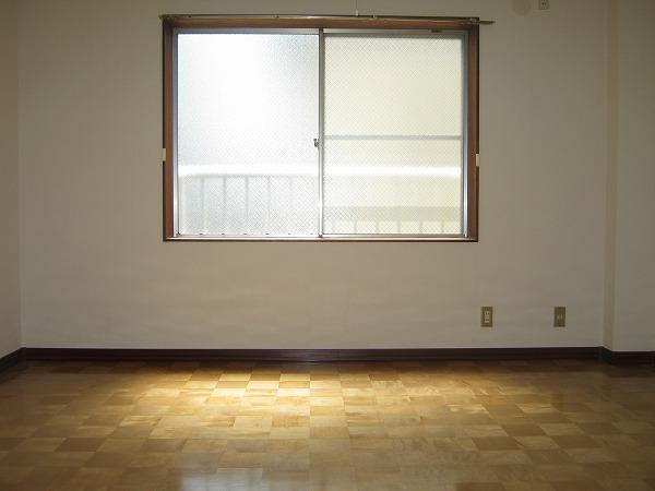 ニワハイツ 301号室のリビング
