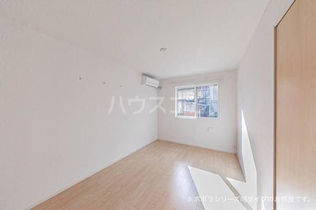ソレアード 01020号室の居室