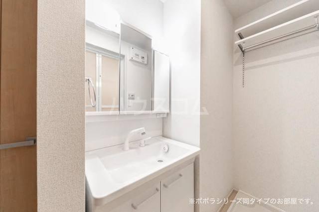 ソレアード 01020号室の洗面所