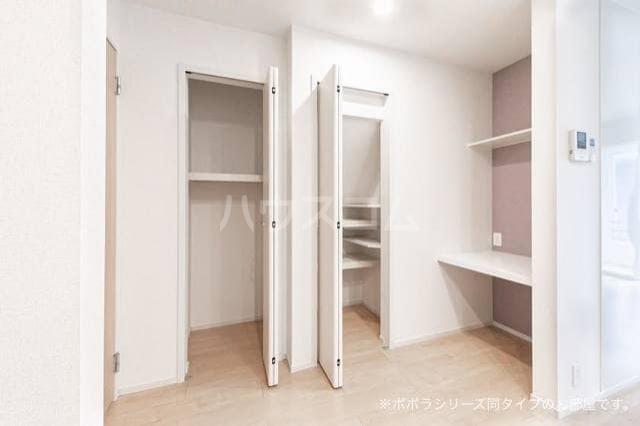 ソレアード 01030号室の収納