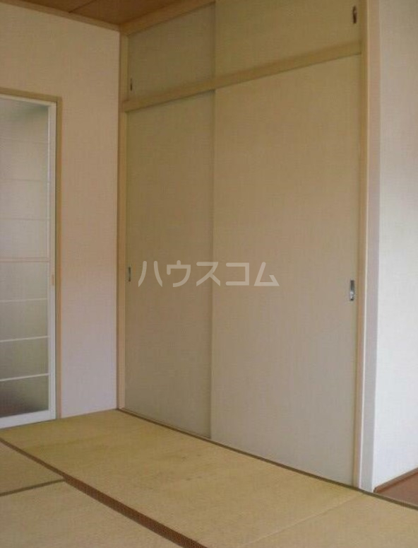 光ヶ丘ロジュマンC 203号室の居室