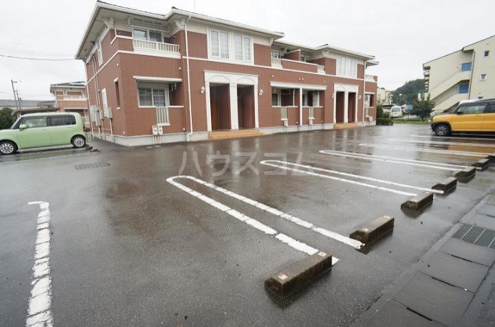 ミニョン723B 01030号室の駐車場
