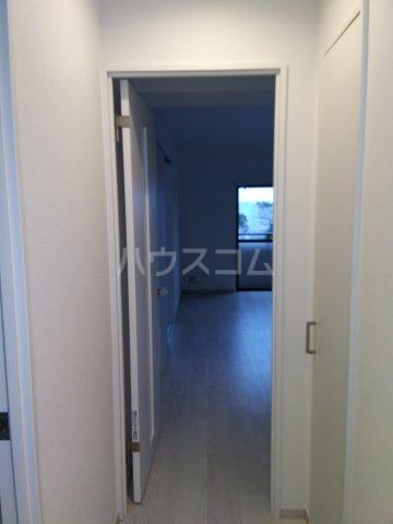 平楽園一番館 205号室の玄関
