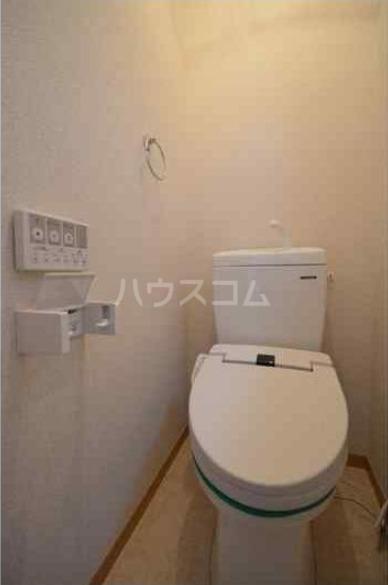 八景マリンハイツ 101号室のトイレ