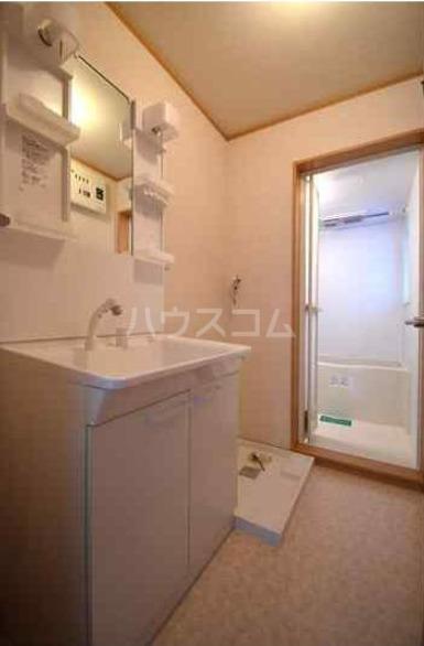 八景マリンハイツ 101号室の洗面所