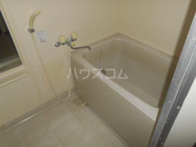 パストラルネムラ 103号室の風呂