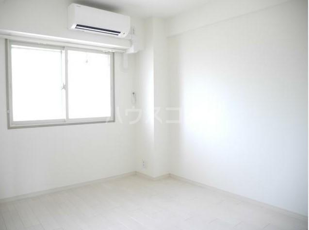 サンプラザ港南台 501号室の居室