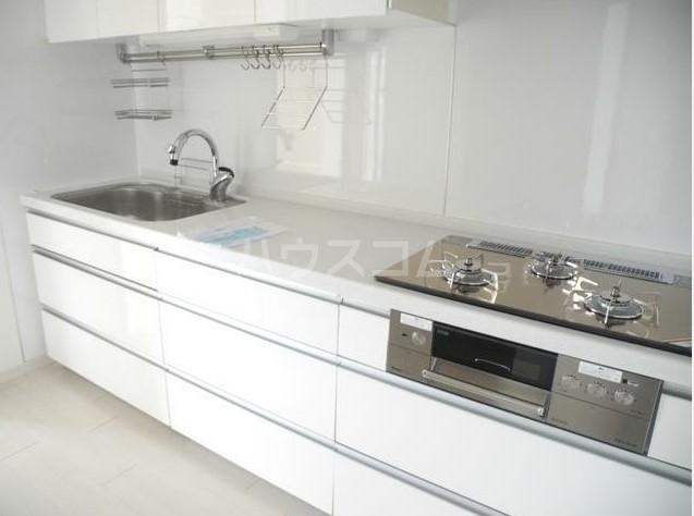 サンプラザ港南台 501号室のキッチン