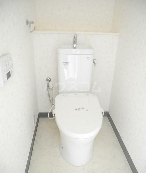 サンプラザ港南台 501号室のトイレ
