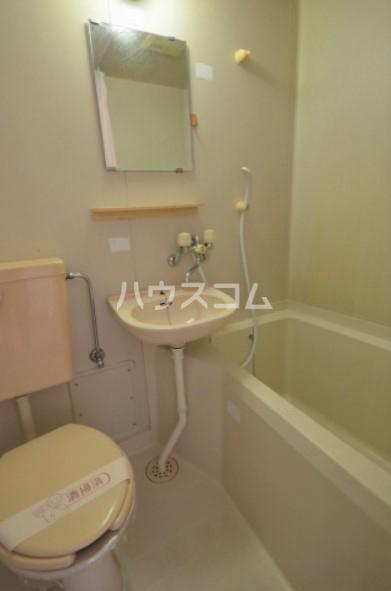 サンライズマツド 102号室の風呂