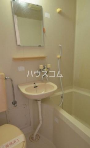 サンライズマツド 102号室の洗面所