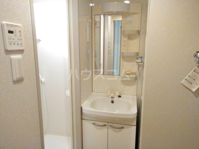 レスペランス西小路 101号室の洗面所