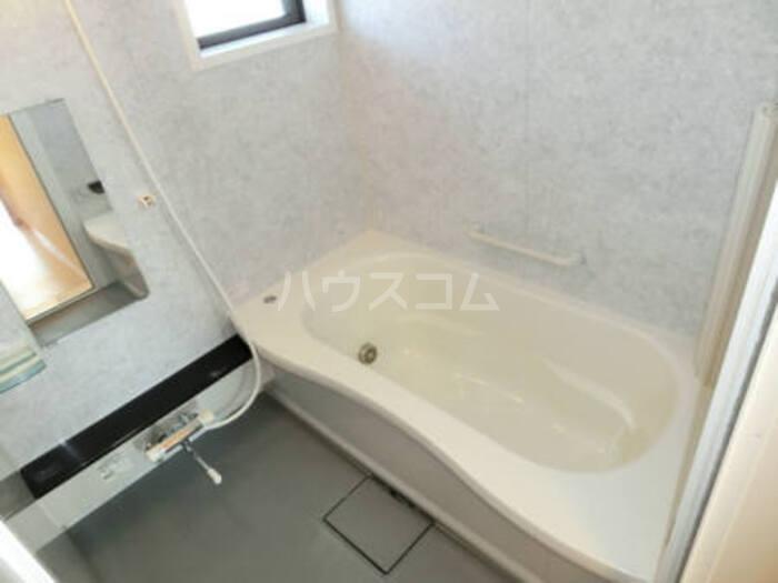 グランドソレイユ B 202号室の風呂
