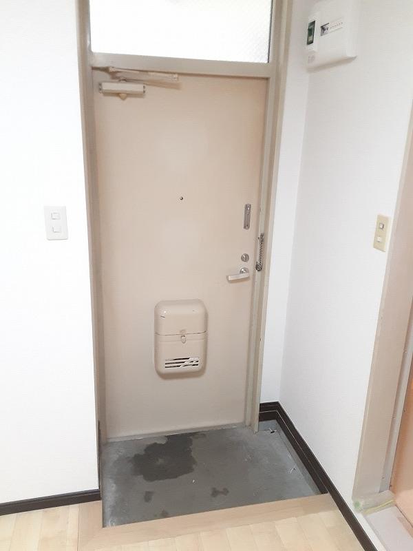 ハイムアキ 103号室の玄関
