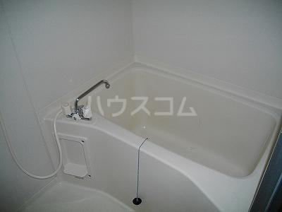 ファミーユ 4A号室の風呂