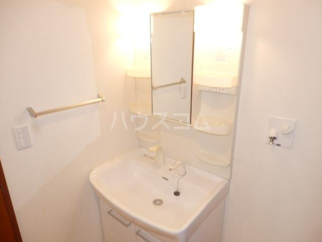 シャーメゾン湘南 101号室の洗面所