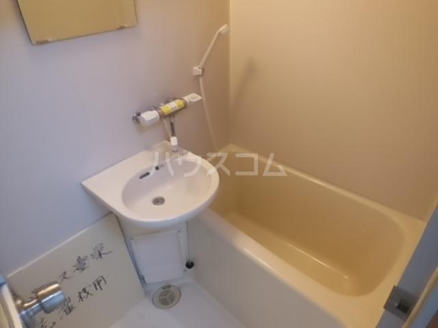 パレス豊栄 2-2号室の風呂