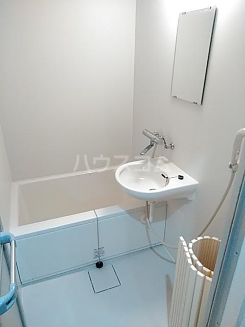 ツインビル 206号室の洗面所