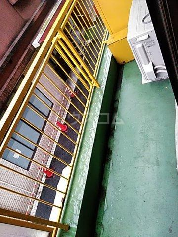 ツインビル 206号室のバルコニー