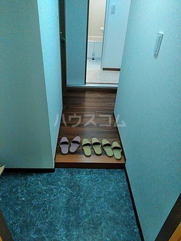 ツインビル 206号室の玄関