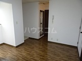 グリーンガーデン南 205号室のリビング