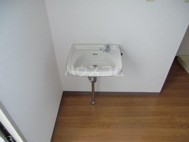 T-ハイム 103号室の洗面所