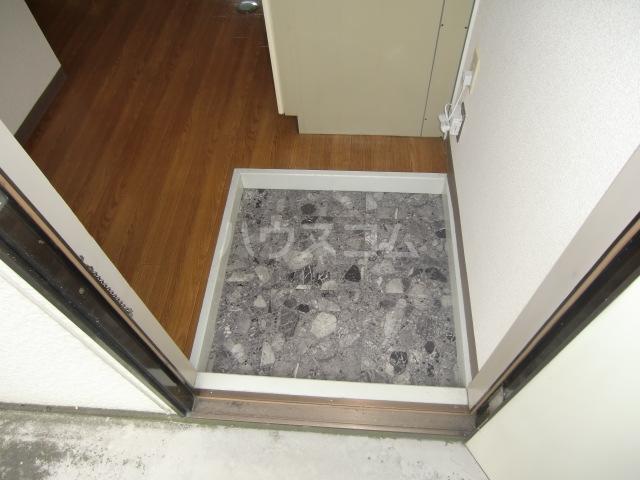 T-ハイム 103号室の玄関