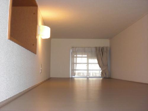 レオパレス沙羅 103号室の収納