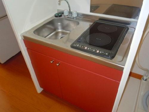 レオパレス沙羅 103号室のキッチン