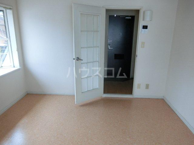 インペリアル 1-201号室の居室